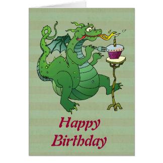 Cartão Velas de sopro do aniversário do dragão engraçado