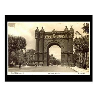 Cartão velho, Barcelona, Arco de Triunfo