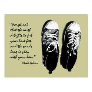 cartão velho dos calçados running