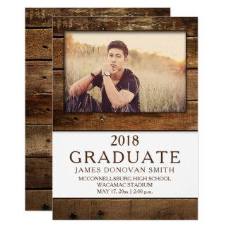 Cartão Vertical de madeira da graduação da foto do