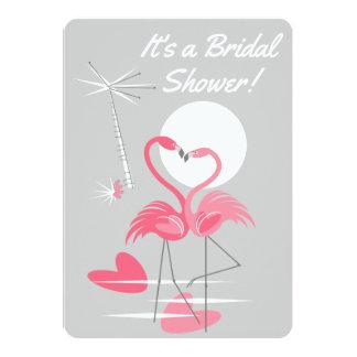 Cartão Vertical do chá de panela do amor do flamingo