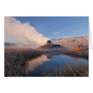 Cartão Voe o geyser com escala tampada neve 4 do granito