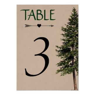 Cartão Wedding no número da mesa das madeiras