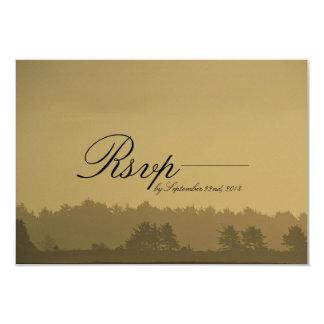 Cartão Wedding romântico exterior rústico de RSVP