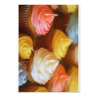 Cartões coloridos deliciosos do convite dos