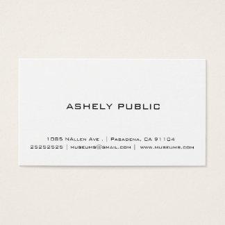 Cartões de visitas brancos simples profissionais