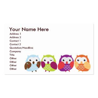 Cartões de visitas coloridos das corujas