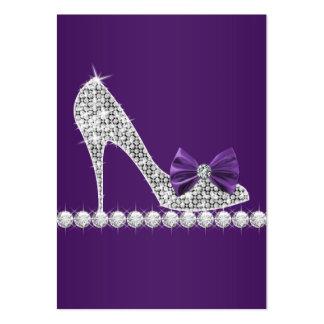 Cartões de visitas roxos dos calçados do salto alt