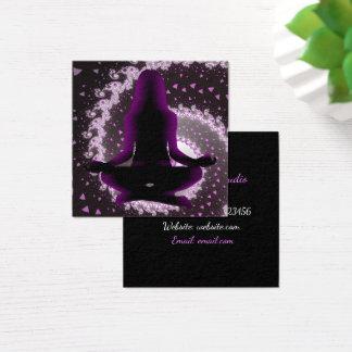 Cartões de visitas roxos e pretos da ioga da