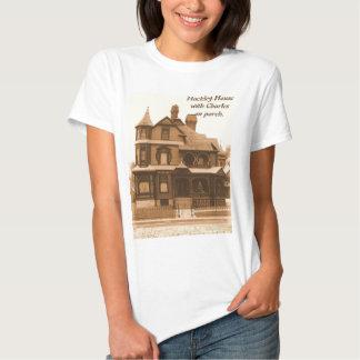 Casa de Hackley, Charles no patamar: O t-shirt das
