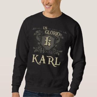Casa KARL. Camisa do presente para o aniversário