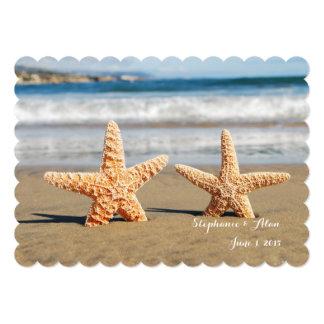 Casal da estrela do mar no convite do casamento de convite 12.7 x 17.78cm