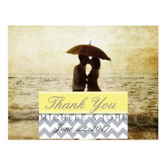casal na praia/obrigado você cartão postal