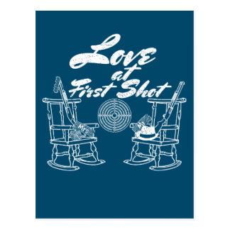 Casal rústico da caça da festa de casamento do cartão postal