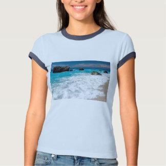 Casamento havaiano bonito do surf da água da praia tshirts