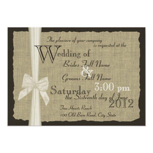 Casamento rústico do arco e da serapilheira convite personalizados