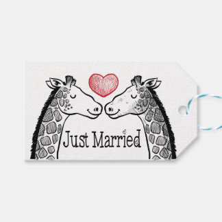 Casamento vermelho do coração do girafa preto & etiqueta para presente