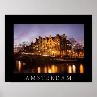 Casas do canal de Amsterdão no poster do preto do