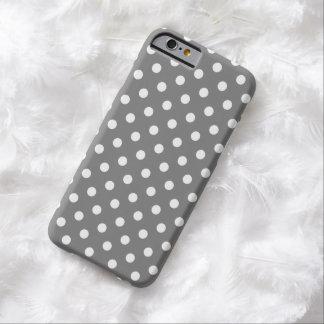 Caso do iPhone 6 das bolinhas nas cinzas Titanium Capa Barely There Para iPhone 6