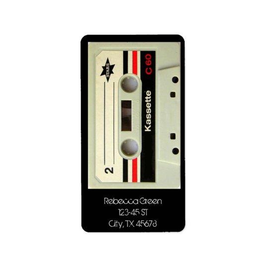 Cassete de banda magnética retro da gaveta nerdy etiqueta de endereço