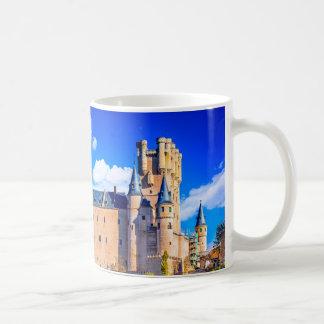 Castelo clássico de Segovia da caneca