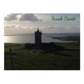 Castelo irlandês no cartão da costa