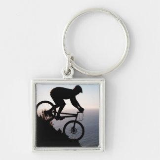 Cavaleiro do Mountain bike. Cabeça dos leões, Cape Chaveiro