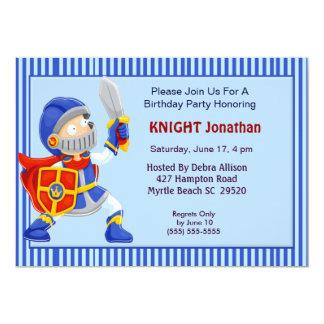 Cavaleiro no convite do aniversário da armadura