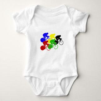 Cavaleiros da bicicleta da raça de bicicleta do camiseta