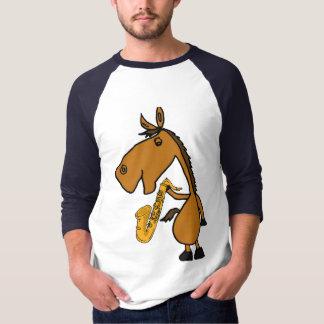 Cavalo AF com uma camisa dos desenhos animados do