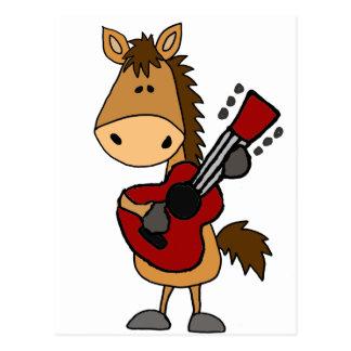 Cavalo de baía engraçado que joga a arte da cartão postal