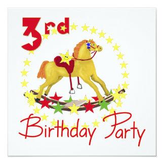 Cavalo de balanço do partido de aniversário de 3 convite quadrado 13.35 x 13.35cm
