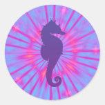 Cavalo de mar mágico roxo adesivo redondo
