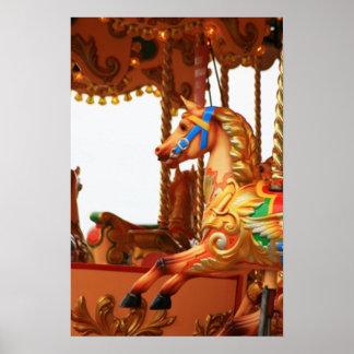 Cavalo do carrossel pôsteres
