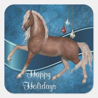 Cavalo do feriado na etiqueta azul