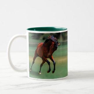 Cavalo do rodeio para o vaqueiro caneca dois tons
