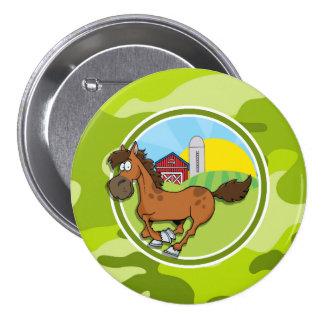 Cavalo dos desenhos animados camo verde-claro boton