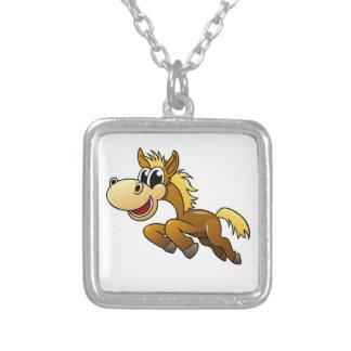 Cavalo dos desenhos animados colares personalizados