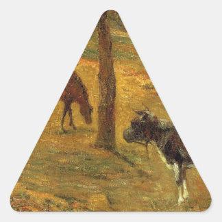 Cavalo e vaca em um prado por Paul Gauguin Adesivo Triangular