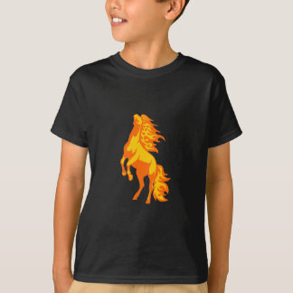 Cavalo nas chamas camiseta