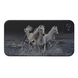 Cavalos brancos capinha iPhone 4