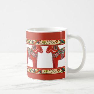 Cavalos de Dala do sueco com beira da arte popular Caneca De Café