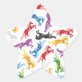 Cavalos de salto coloridos do teste padrão adesito estrela