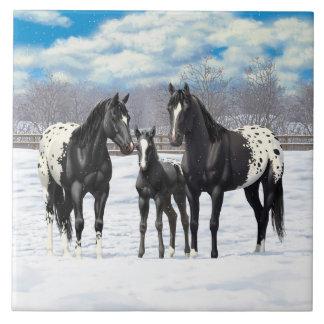 Cavalos pretos do Appaloosa na neve Azulejo Quadrado Grande