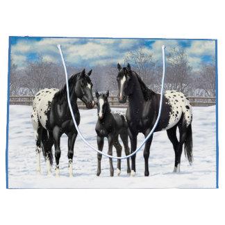 Cavalos pretos do Appaloosa na neve Sacola Para Presentes Grande