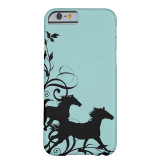 Cavalos selvagens pretos capa barely there para iPhone 6