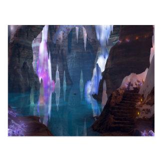 Cavernas de brilho pelo cartão da noite