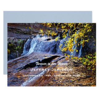 Celebração da cachoeira do outono do convite da
