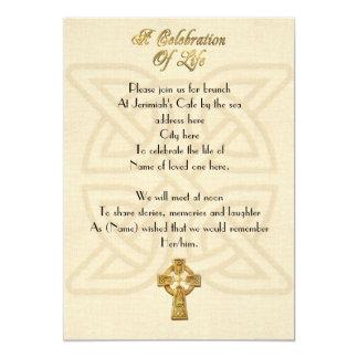 Cartão Celebração do nó & da cruz celtas do convite da
