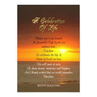 Celebração do por do sol do convite da vida